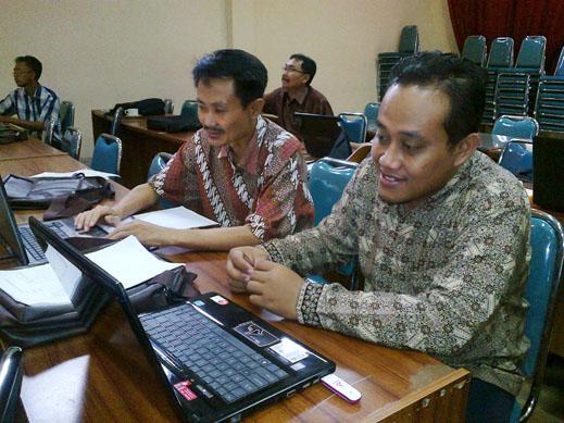 workshop penyusunan karya tulis ilmiah tingkat propinsi jawa timur4