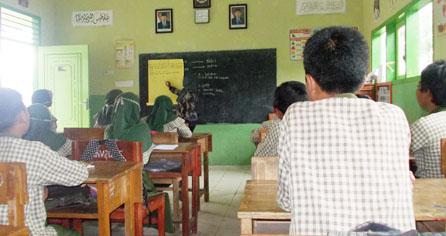 open-lesson-di-pelatihan-the-art-fo-teaching-penampilan-ustadzah-zazilatul