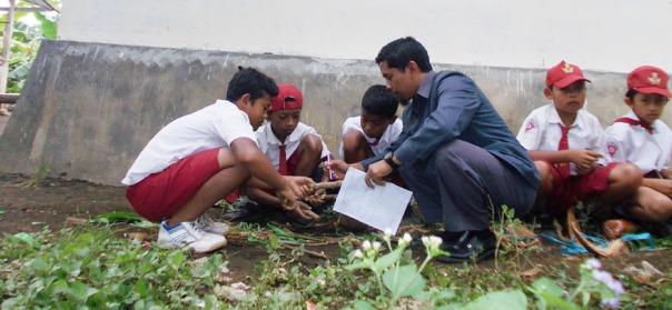 guru sebagai fasilitator dan penilai autentik perkembangbiakan vegetafi buatan pada tumbuhan