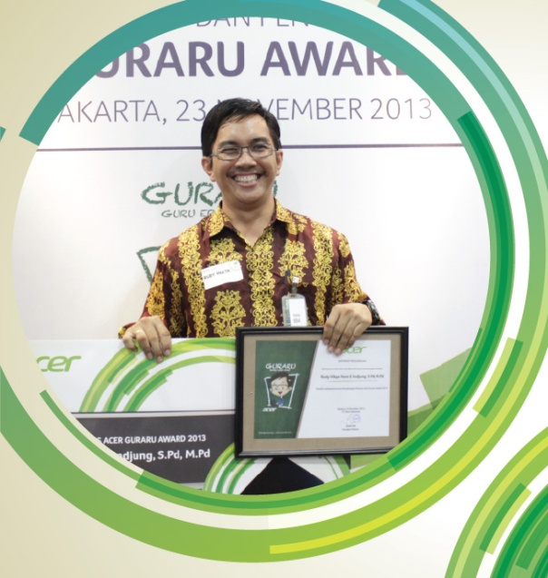 Bp. Rudy Hilkya periah juara 2 Guraru Eward, guru kimia