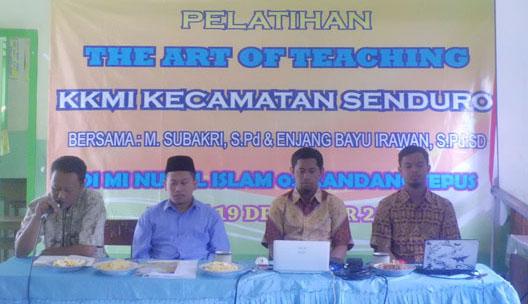 acara pembukaan dari kiri pembaca acara, Ust Rosyd, Bp. M. Subakri, Bp. Enjang
