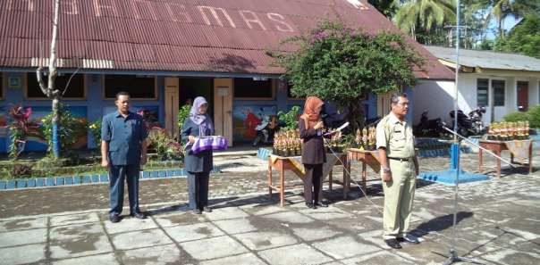 para petugas upacara dari anggota kkg