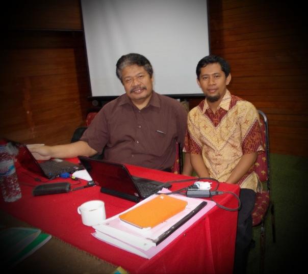 beliau adalah Bp Drs. Bekti Maryono, M.Pd. WI senior bersama bu Al membimbing kelas A2.5