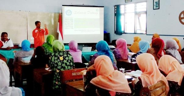 acara-pembukaan-nampak-ka-upt-pendidikan-kota-berdiri-didampingi-ketua-k3s-ayo-mendidik