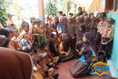 imas, sudah berpengalaman dalam mendongeng, kemarin juga ikut lomba Konfrensi Penulis Cilik Indonesia