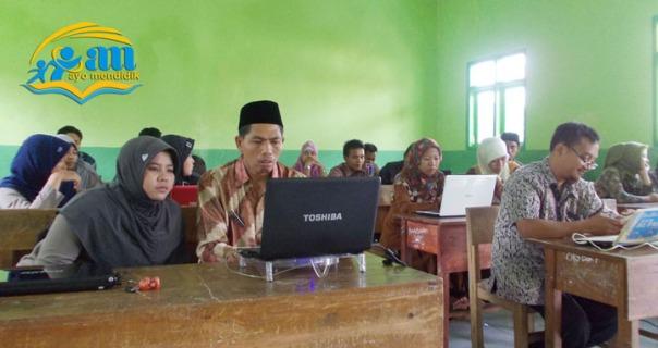 peserta yang disiplin sudah hadir sebelum acara di mulai contoh teladan yang baik dan teladan semangat dalam belajar
