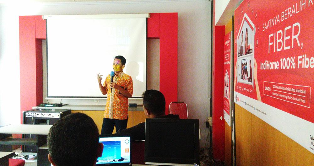 Pelatihan Membangun Webblog Dengan Pt Telkom Lumajang Indihome Ayo Mendidik